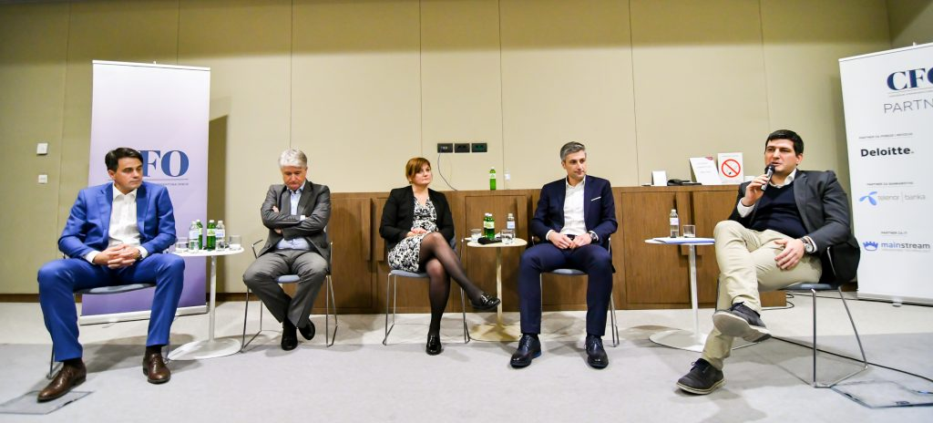 """Učesnici UFDS panela """"Izazovi sa kojima se CFO-ovi susreću u procesu digitalne transformacije"""""""